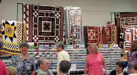 LQG more quilts and thread display_M