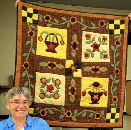 UFO Anne D appliqued flower baskets_0048_M